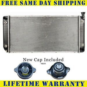 Radiator With Cap For Chevy Gm Fits Suburban Escalade Tahoe Pickup W Eoc 1522wc