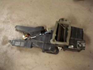 95 97 Ford F 150 250 350 Oem Hvac Heater Core Vent Box Assembly Under The Dash