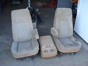 87 91 Ford F 150 250 350 Truck Front Seat Set Captains Chairs Style Tan Oem