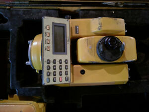 Topcon Its 1 Survey Total Station With Case And Extra Battery
