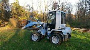 Compact Articulated Wheel Loader