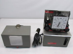 Lathem Mechanical Time Clock Recorder Model 2121 115v W 2 Keys