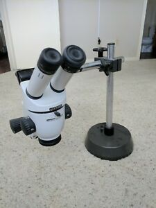 Wild Heerbrugg Dental Laboratory Microscope M3 With Illuminator