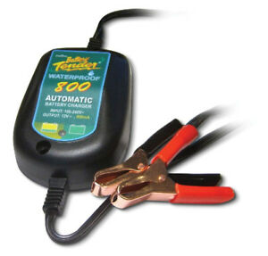 Battery Tender 12 V Waterproof Battery Charger P n 022 0150 dl wh