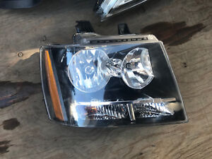 2007 2010 2011 2012 2013 2014 Chevrolet Tahoe Right Passenger Halogen Headlight