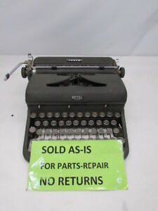 Royal Arrow Manual Portable Typewriter Glass Keys