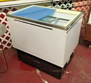 Hussmann Open Top Reach in Freezer Mod Sm090s
