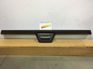 2007 2013 Chevy Avalanche Tailgate Protector Spoiler W O Camera New Gm 15902099