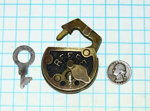 Vtg Antique Old Ornate Solid Brass Lever Reese Lock Co Chain Link Padlock