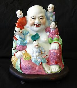 20ct Chinese Porcelain Buddha W Children In Famille Rose On Fitted Stand Won