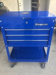 Snap On Roll Away Tool Box Comes With 2 Keys