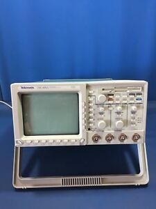 Tektronix Tds460a 400mhz 100ms s 4 Channel Digitizing Oscilloscope