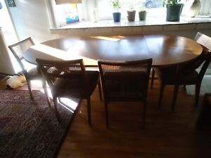 Local Pickup Mid Century Modern Dining Table W 2 Leaves And 4 Chairs