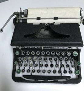 Vintage 1930 s Royal Portable Typewriter Quite Deluxe Model