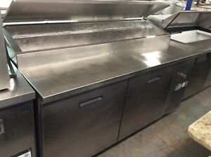 68 Randell 8268n Pizza Prep Table W Refrigerated Base