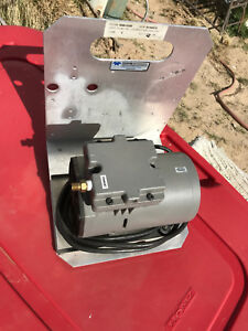 Thomas Oil less Vacuum Pump Model 617 Ca32