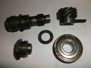 Vintage Mallory Distributor Tach Drive Gear Assembly