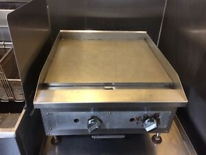 24 Vollrath Cayenne Flat Top Gas Counter Top Grill Thermostatic Control