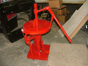 Old Antique Flathead Ford Era Car Tool Coats Tire Changer Machine Will Ship