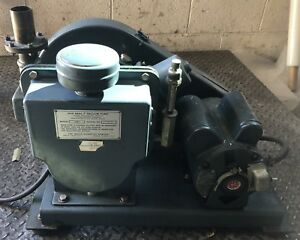 Welch Duo seal Vacuum Pump 1397 Rotary Vane Laboratory Industrial