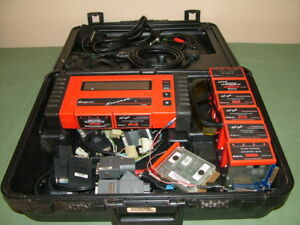 Snap On Mt2500 Super Deluxe Diagnostic Scanner 9 Cartridges Keys Cables Etc