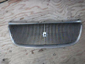 1995 1996 1997 1998 Chrysler Cirrus Front Grille 04630590