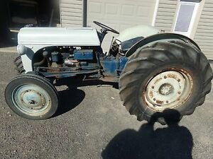 Ford 9n Tractor Tractor Nice