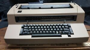 Ibm Electric Selectric Iii Correcting Typewriter With 7 Elements And Dust Cover