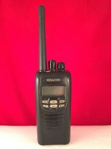 Kenwood Nx 200 K Radio Vhf With Charger