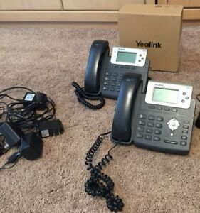 2 Yealink Sip t22p 3 line Ip Office Telephones Gently Used