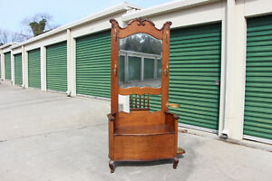 Fancy American Victorian Golden Tiger Oak Hall Tree With Curved Arms And Sides