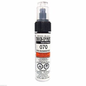 Genuine Toyota 00258 00070 21 White Touch Up Paint Pen Blizzard Pearl 070 New