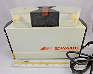 Edwards Knf Neuberger Laboport Electric Vacuum Pump D 79112 Pm 13194 810 3