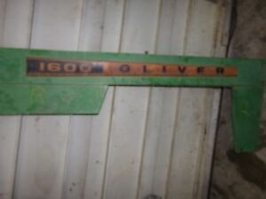 Oliver 1600 Tractor Right Side Pannel