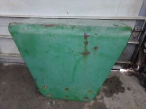 Oliver 1600 Tractor Fenders