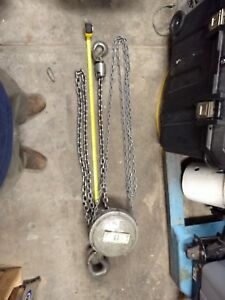 Yale 2 ton Chain Hoist With Stainless Steel Chain For Marine Environments