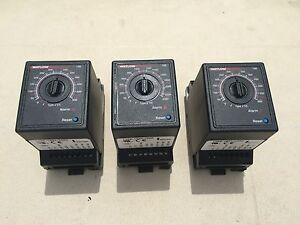 Watlow 146e 1601 1000 Temperature Regulators Controllers lot Of 3
