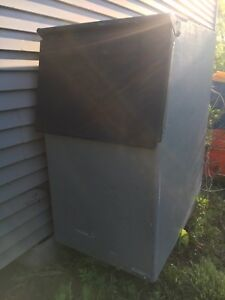 Hoshizaki B 300pf Ice Bin For Ice Machines Used In Very Good Condition