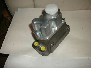 Mga 1600 Master Cylinder Brake Clutch With Raised Resovoir Moss Motors Twin Bore