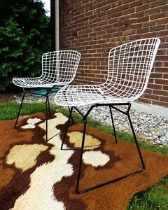 Harry Bertoia For Knoll Pair Vintage 1950 S Restored Black White Side Chairs