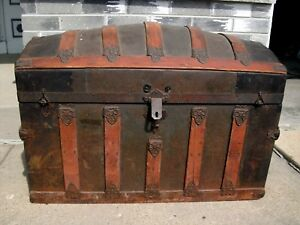 Antique Steamer Trunk Vintage Victorian Humpback Stagecoach Chest Tray Pirate