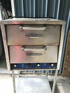 Baker s Pride Counter Top Double Door Pizza Oven Dp2 220v 1 Phase New Stones