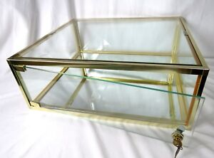 Glass Counter Top Display Case With Door Lock