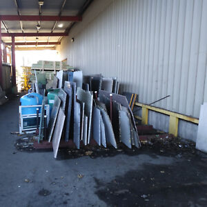 Huge Lot Of 100 Granite Counter Slabs 1 2 Slabs And Remanets Stone Kitchen Bath