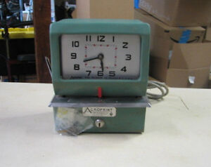 Vintage Acro Print Time Clock Mod 150nr4 Works Has Key