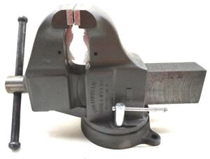 Columbian 10405 205m3 5 1 2 Jaw Width 6 Opening Swivel Combo Pipe Bench Vise