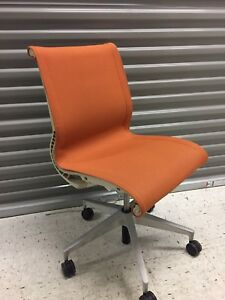 Herman Miller Aluminum Orange Home Or Office Chair Pre owned Ergonomics Comfy