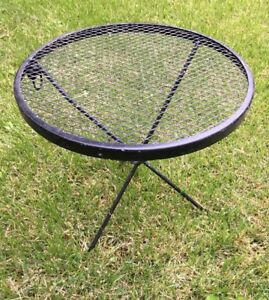 Woodard Mid Century Modern Patio Metal W Mesh Top Round Side Table Plant Stand