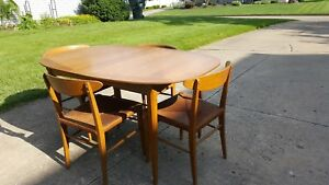 Vintage Mid Century Modern Wood Heywood Wakefield Table Chairs Dining