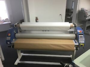 64 Full auto Wide Format Cold Hot Laminator Roll To Roll With Stand